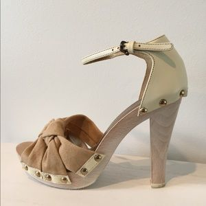 Dolce &Gabbana Studded wooden heels. Like new!💕